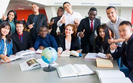 俄罗斯留学毕业就业方向和前景分析缩略图