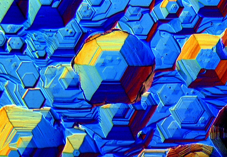 在微观显微镜下的各种材料结构