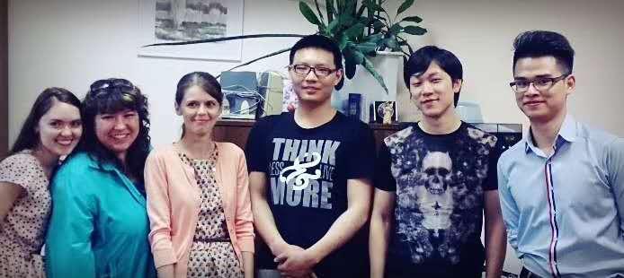 小编本人于2012年9月入学乌拉尔联邦大学预科就读秋季预科,这是2013年6月预科毕业时和我们班老师、同学的合影