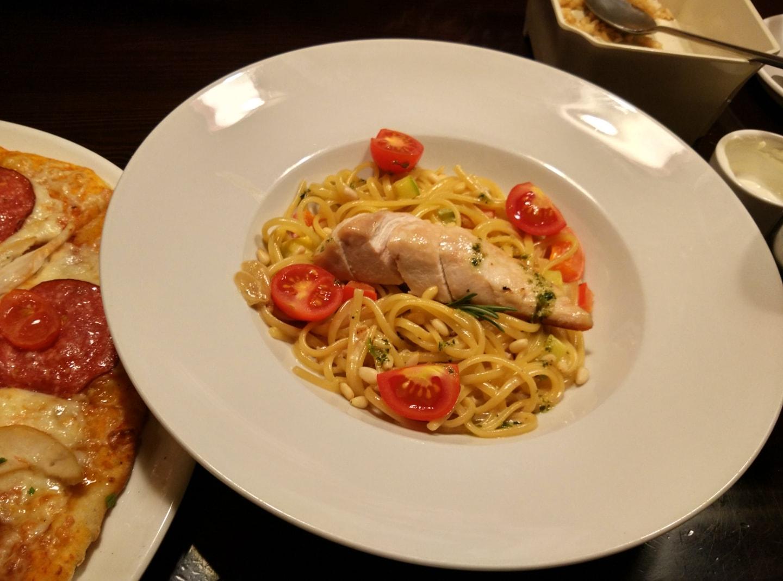 意大利餐的肌肉意大利面,我个人对西餐不太感冒,主要是太贵了,真要往饱吃一顿不吃个3-4百都下不来