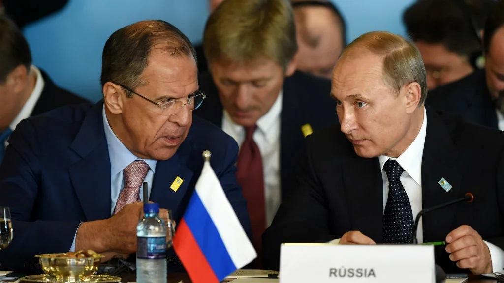 俄外交部长谢尔盖·拉夫罗夫与俄罗斯总统普京