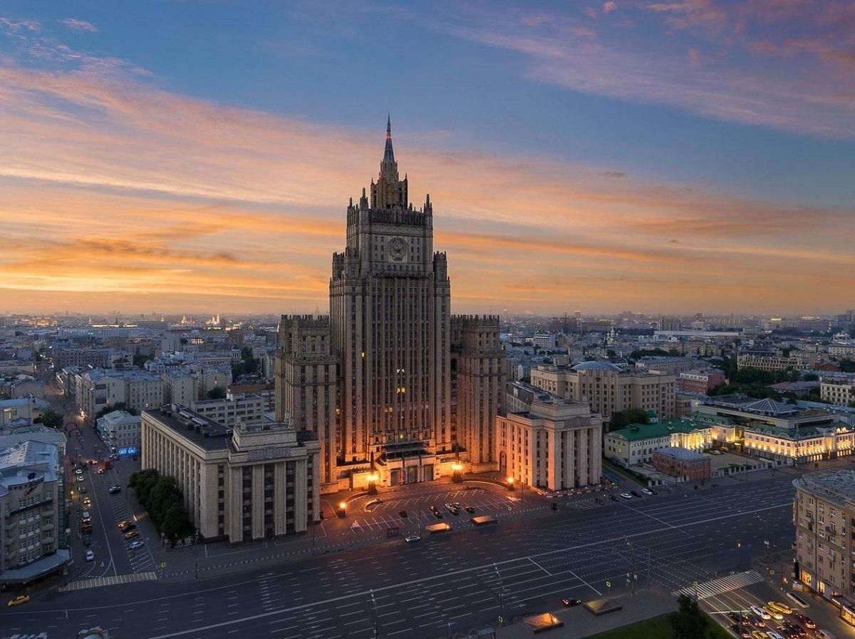 """俄罗斯联邦外交部大楼,是斯大林式建筑,也是莫斯科著名的""""莫斯科七姐妹""""之一,这也是拉夫罗夫老爷子工作的地方"""