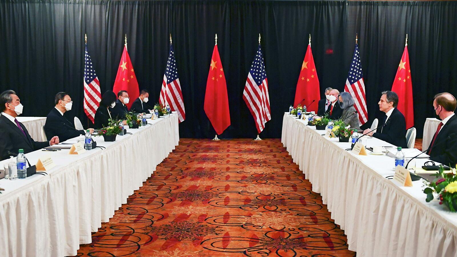 相比于中国和俄罗斯之间的和平关系,中美之间显得剑拔弩张