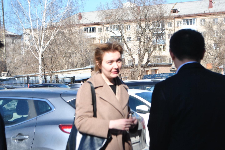 先到来的有乌拉尔联邦大学国际事务办公室主任伊莲娜女士,可惜伊莲娜女士2020年11月升职去了其他的高校担任主任职位,希望伊莲娜女士的职业生涯一路顺利!
