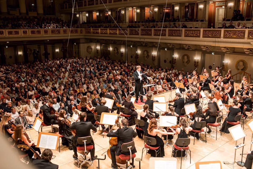 乌拉尔音乐学院本科高年级《声乐表演》专业学生真实水平是什么样的?插图1-小狮座俄罗斯留学