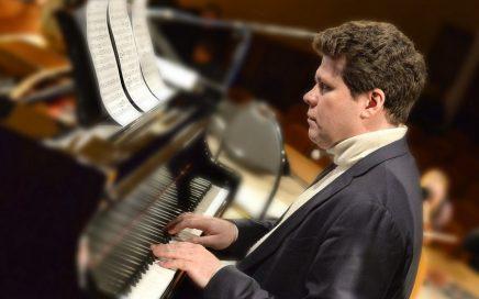 俄罗斯钢琴家丹尼斯