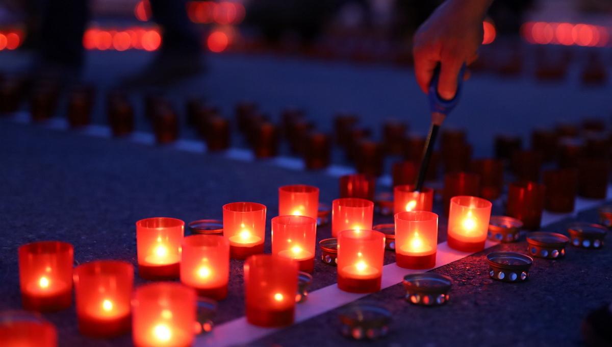 乌拉尔联邦大学昨晚举行了卫国战争烛光悼念活动,纪念卫国战争插图3-小狮座俄罗斯留学