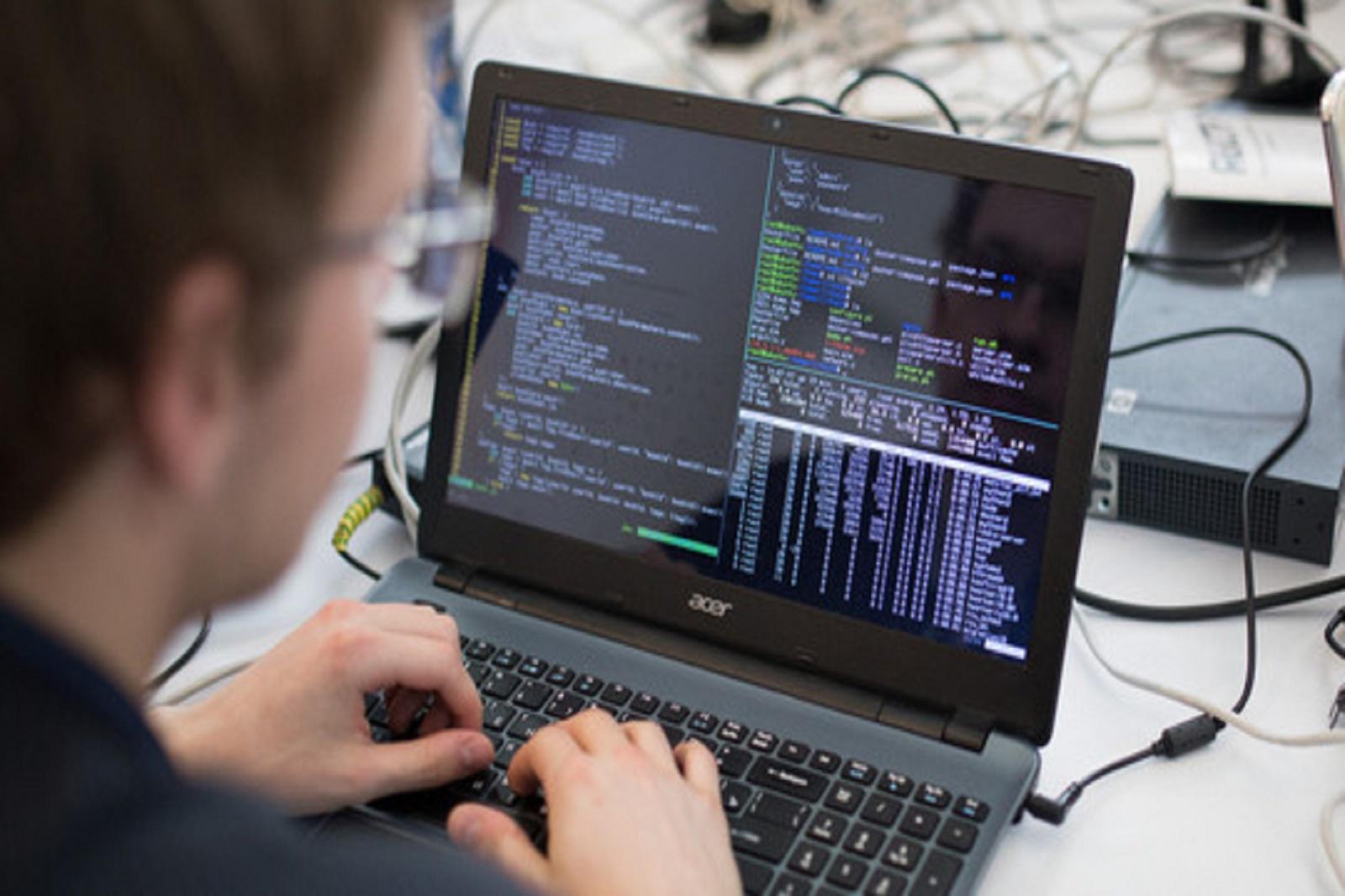 机械工程数字技术工程中心在世界人工智能大会上展示数字孪生技术插图-小狮座俄罗斯留学