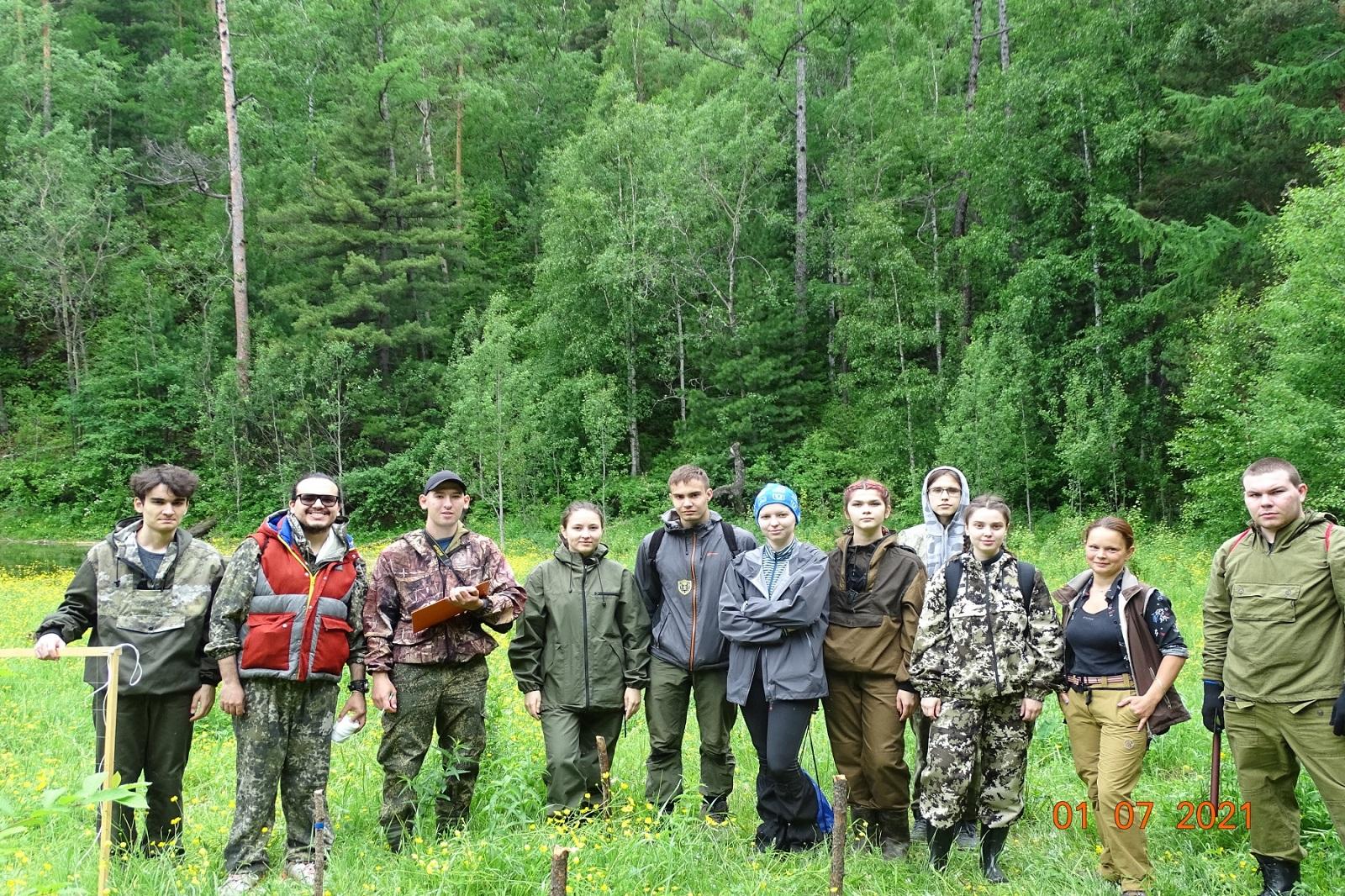 托木斯克国立大学地质和地球物理学院进行了一次对贝加尔湖游客可容纳极限的考察插图-小狮座俄罗斯留学