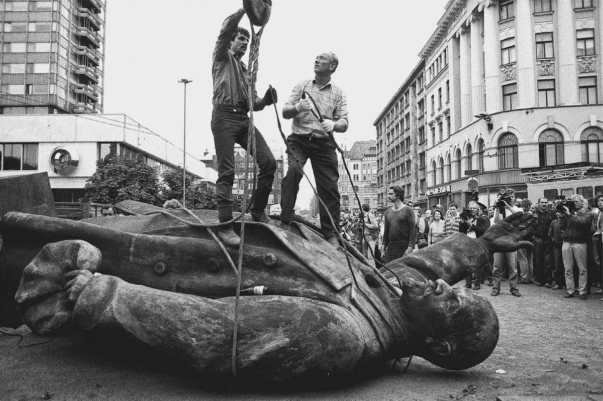 """回顾苏联解体,普京称其为""""本世纪最大的地缘灾难""""插图4-小狮座俄罗斯留学"""