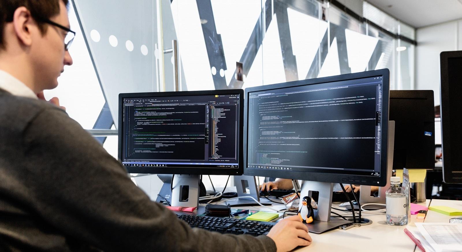 圣彼得堡国立大学本科专业《现代软件设计》详细介绍!插图-小狮座俄罗斯留学