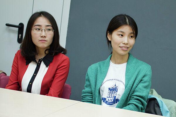 俄语专业女生成功入学乌拉尔联邦大学俄罗斯语言文学系