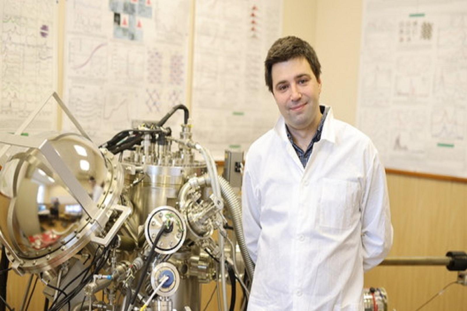 乌拉尔联邦大学的科学家创造出世界上寿命最长的钙钛矿LED插图-小狮座俄罗斯留学