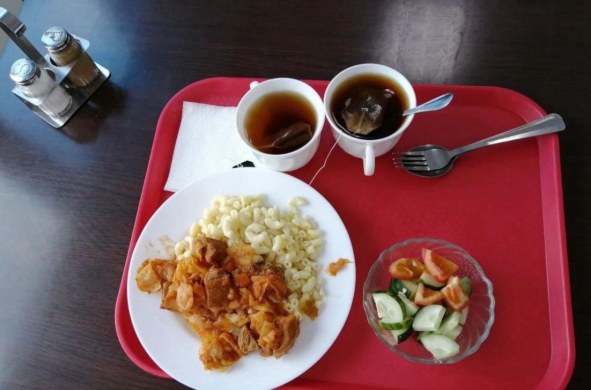 这是在路边某一家餐厅吃的中饭,此时已经离开新西伯利亚200公里左右