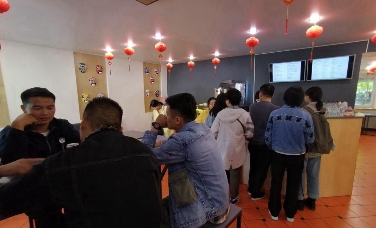 带大家来熊猫餐厅吃个快餐 叶卡捷琳堡 乌拉尔联邦大学