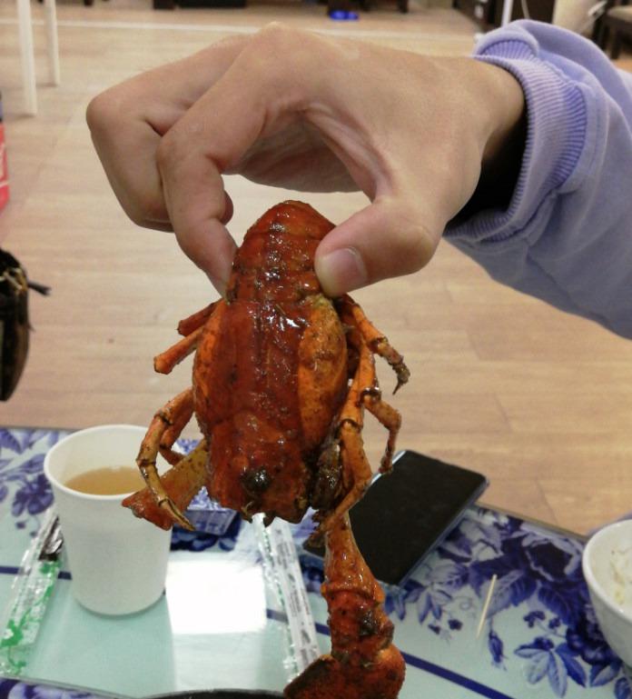 川香味的大龙虾,非常大一只