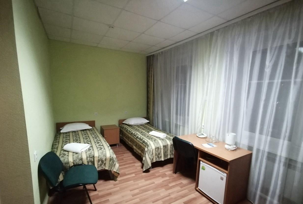 乌拉尔联邦大学外包宿舍的厕所和寝室,一般是2人用一件厕所+浴室,条件比寝室好很多