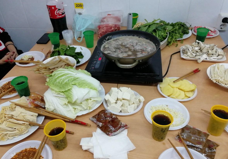 俄罗斯留学生活最惬意的事情就是吃一顿火锅