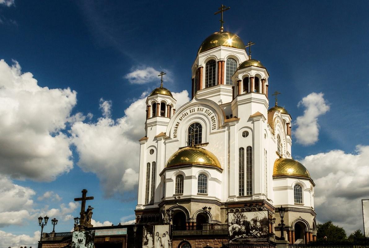 叶卡捷琳堡滴血大教堂外部,拍摄于2019年7月|俄罗斯旅游
