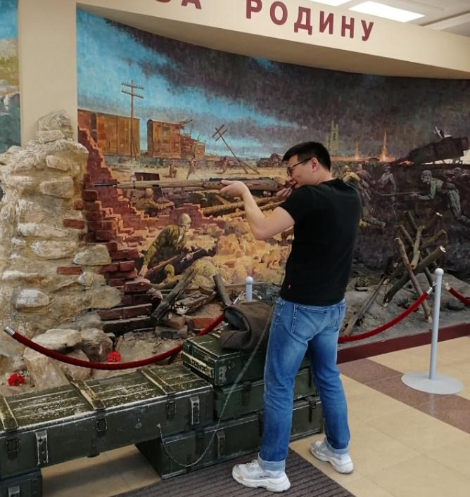 在上佩什马的军事博物馆(военная выставка)参观|俄罗斯留学