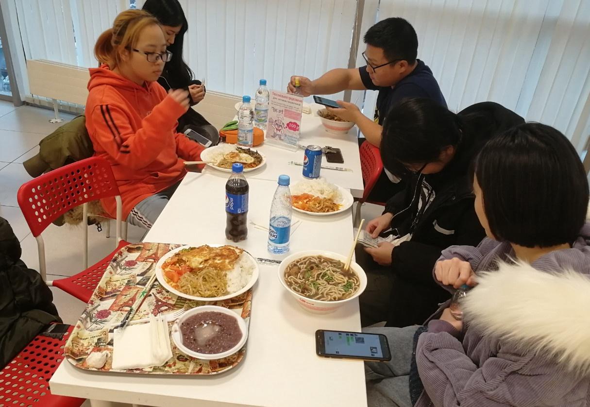 带同学们去中国市场的家和餐厅吃个饭|俄罗斯留学