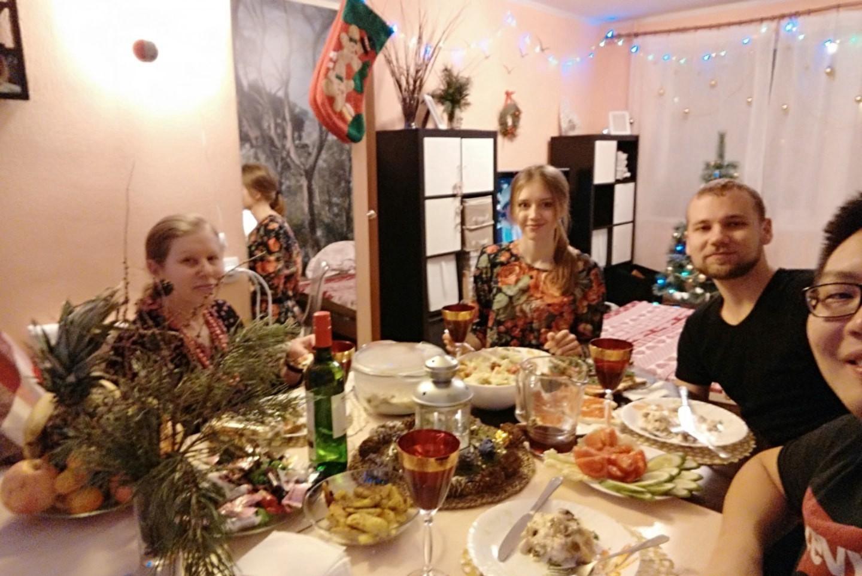 和俄罗斯朋友过新年 俄罗斯留学的真实生活 俄罗斯留学 俄罗斯的生活 留学生活