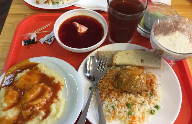 俄罗斯餐厅вилка ложка的菜 俄罗斯留学的真实生活 俄罗斯留学 俄罗斯的生活 留学生活