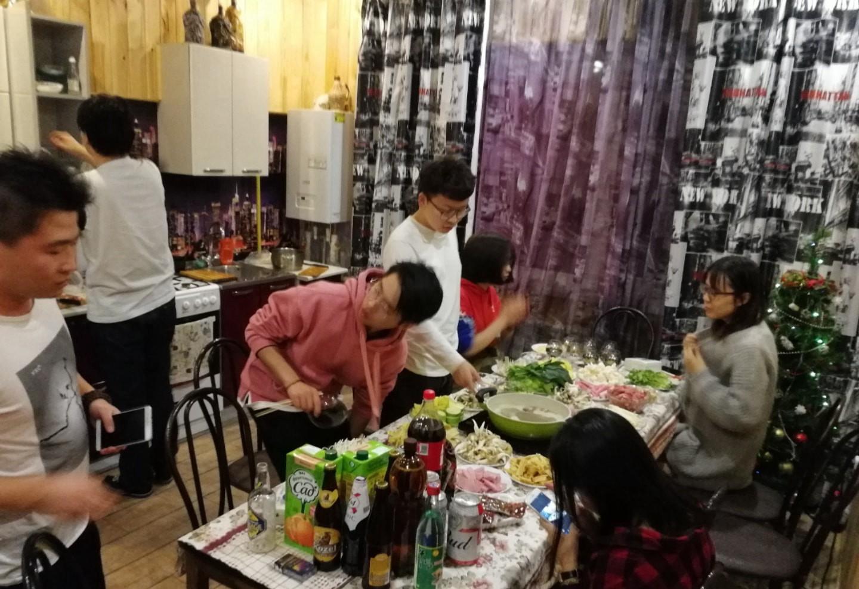 朋友聚餐 俄罗斯留学生活 俄罗斯留学 俄罗斯生活