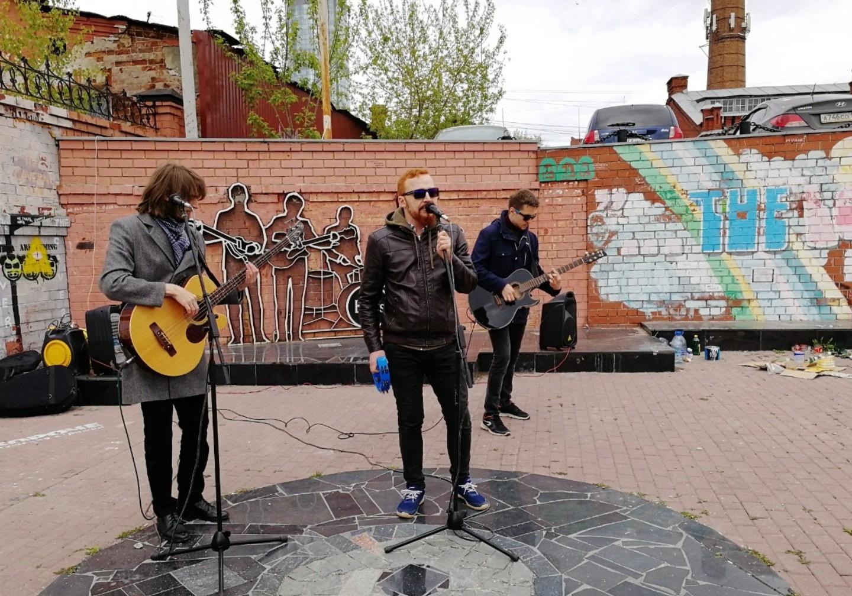 俄罗斯当地乐队 披头士 俄罗斯留学生活 俄罗斯留学 俄罗斯生活