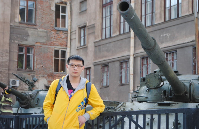 叶卡捷琳堡 红军广场的坦克 俄罗斯留学生活 俄罗斯留学 俄罗斯生活