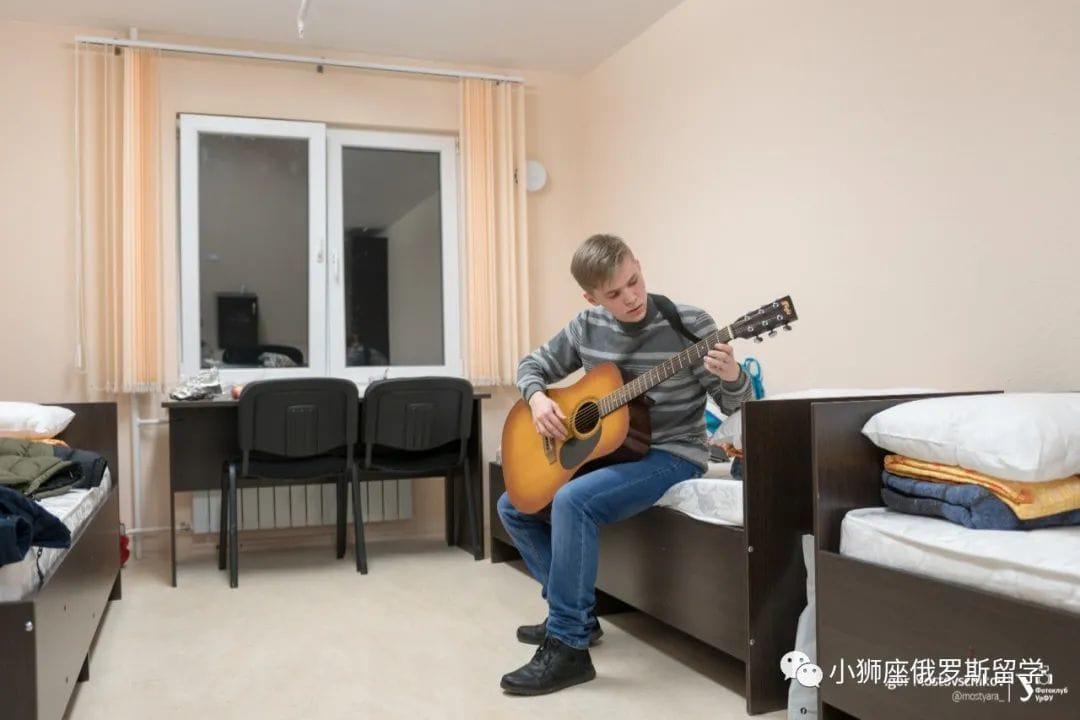 乌拉尔联邦大学8号宿舍房间图片|乌拉尔联邦大学|俄罗斯留学|俄罗斯留学费用|俄罗斯大学专业|俄罗斯留学机构